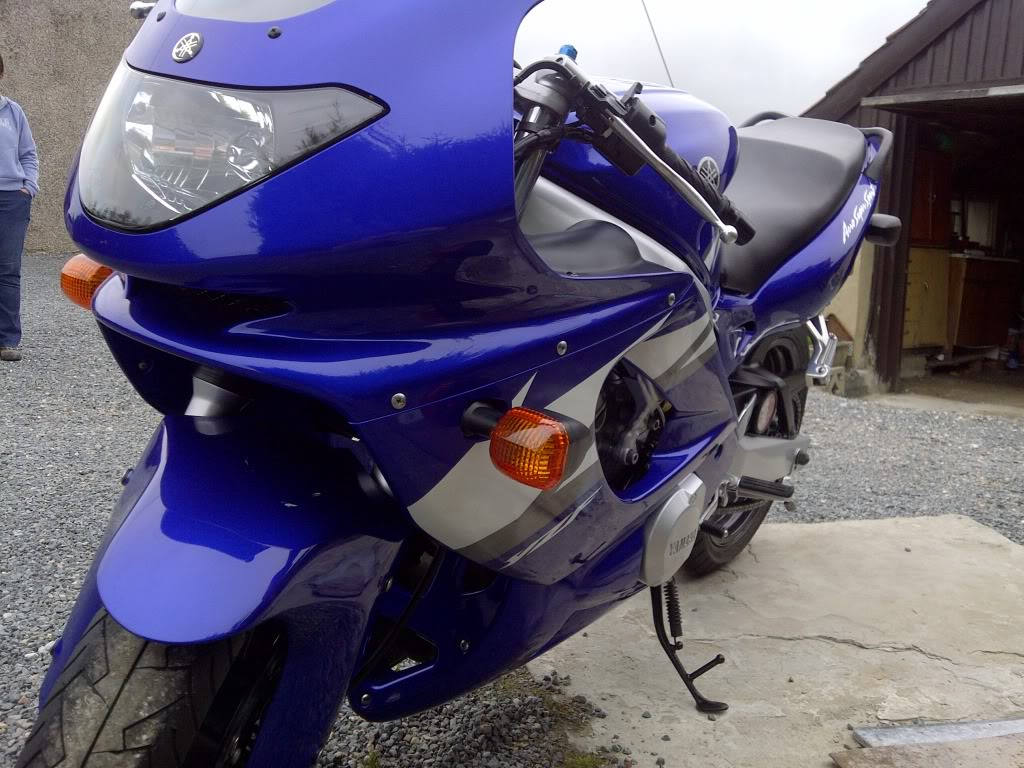 Yamaha YZF600 Thundercat in blue (real showroom condition) IMG-20120610-02915