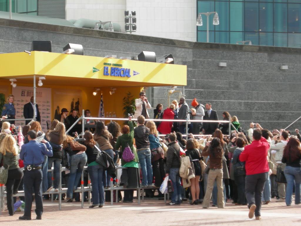 signing à Madrid, Espagne 30/03/07 DSCN0110