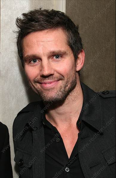 Jason: avant et maintenant - Page 6 RED081110TAKETHAT01_0021