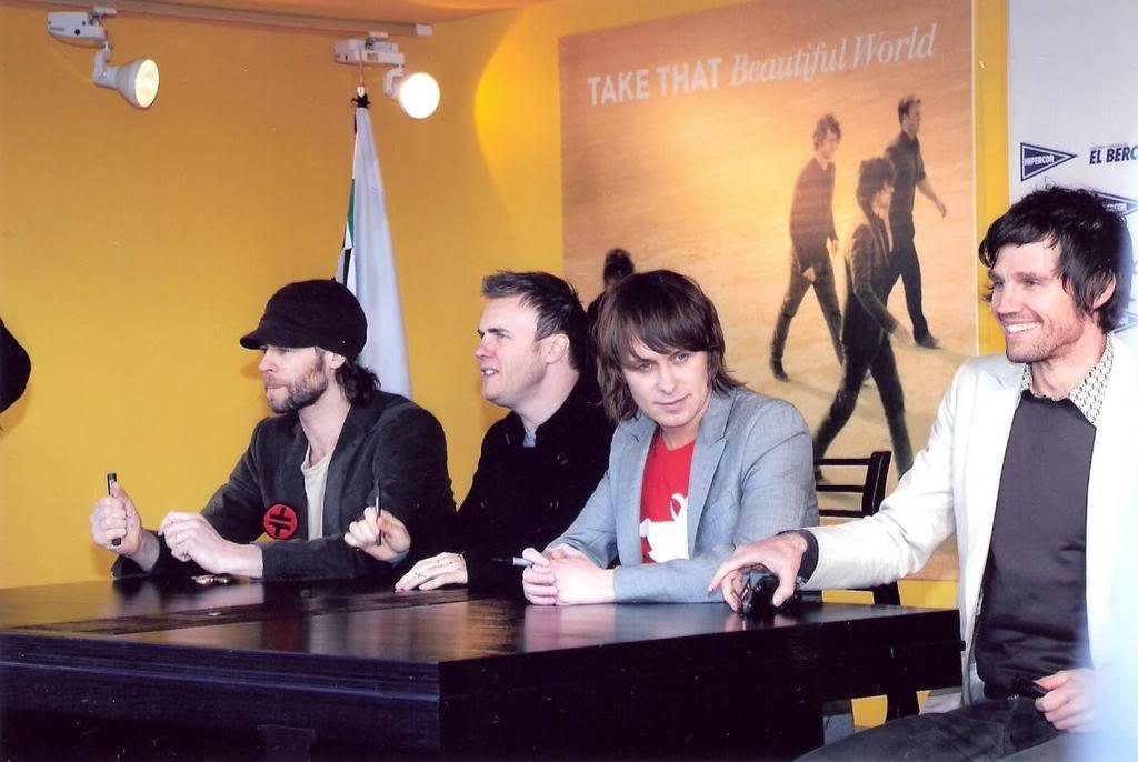 signing à Madrid, Espagne 30/03/07 03at3
