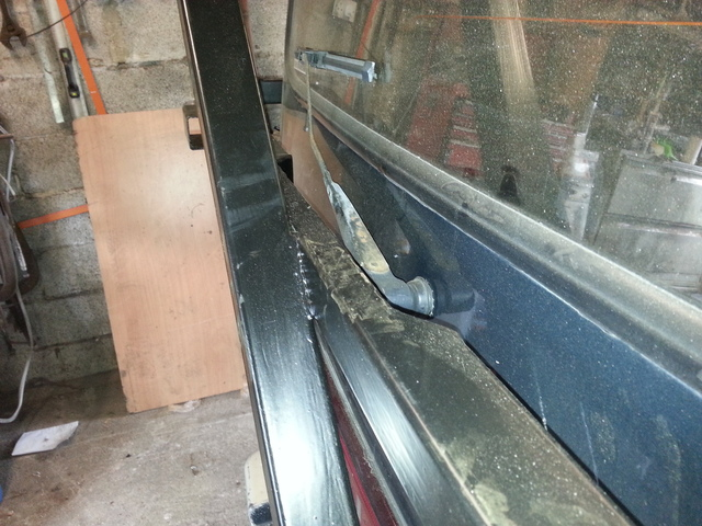 Mitsubishi L300 Delica start of kitchen fit out 20150403_102123_zpsjqvgl22l