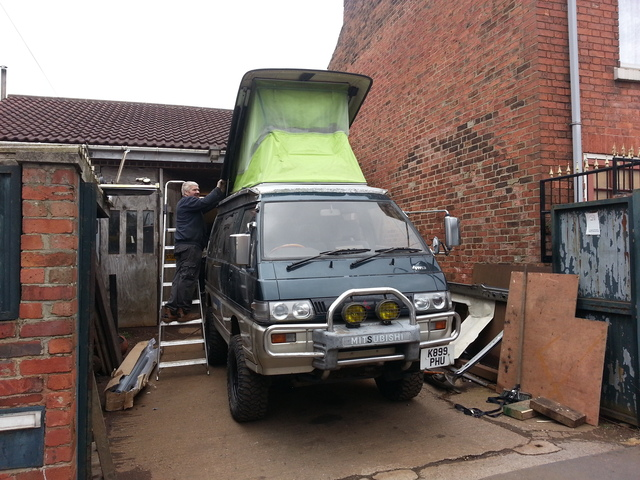 Mitsubishi L300 Delica start of kitchen fit out 20150404_120112_zpsshnqvxgo