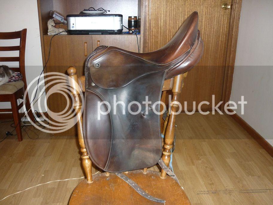 Horsey Garage Sale P1000592_zps1a87a9bd