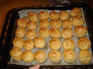 Bánh Choux ( hay gọi là bánh su ấy) DSC03886