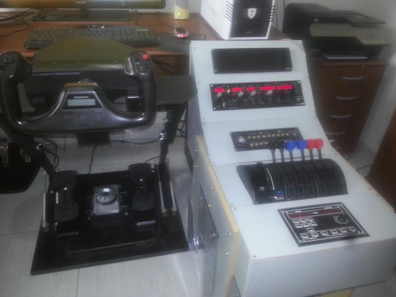 Meu Home-Cockpit (pedestal genérico) 20141001_105832