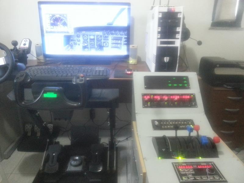 Meu Home-Cockpit (pedestal genérico) 20141008_155238-1