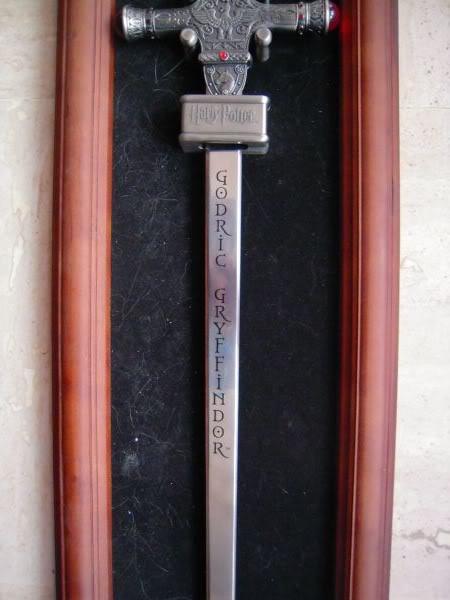 Les bijoux de l'univers Harry Potter (colliers,bagues,épée, etc) - Page 5 Image130