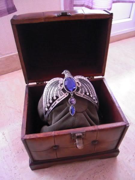 Les bijoux de l'univers Harry Potter (colliers,bagues,épée, etc) - Page 5 Image136