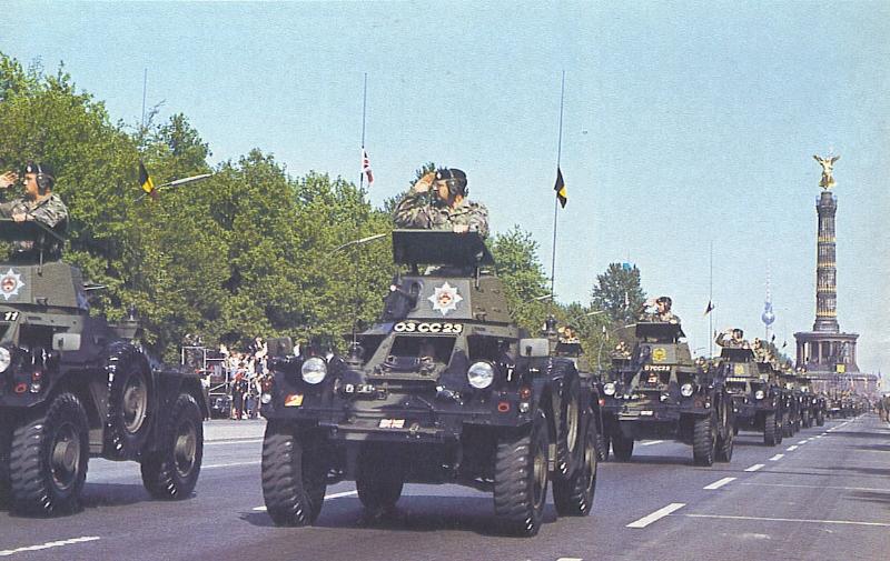 Ferrets on Parade in Berlin 2d5da270-a8fe-4f8c-b12b-cbefe212f77c