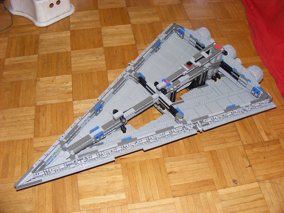 Lego UCS 10030 Star Wars Imperial Star Destroyer 10030-10_zpsn1tzjdxj