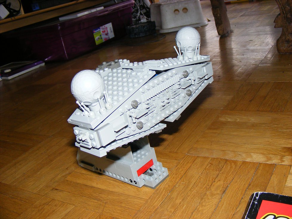 Lego UCS 10030 Star Wars Imperial Star Destroyer 10030-15_zps67kakv7g