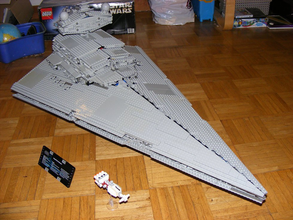 Lego UCS 10030 Star Wars Imperial Star Destroyer 10030-18_zpsqueev4y4