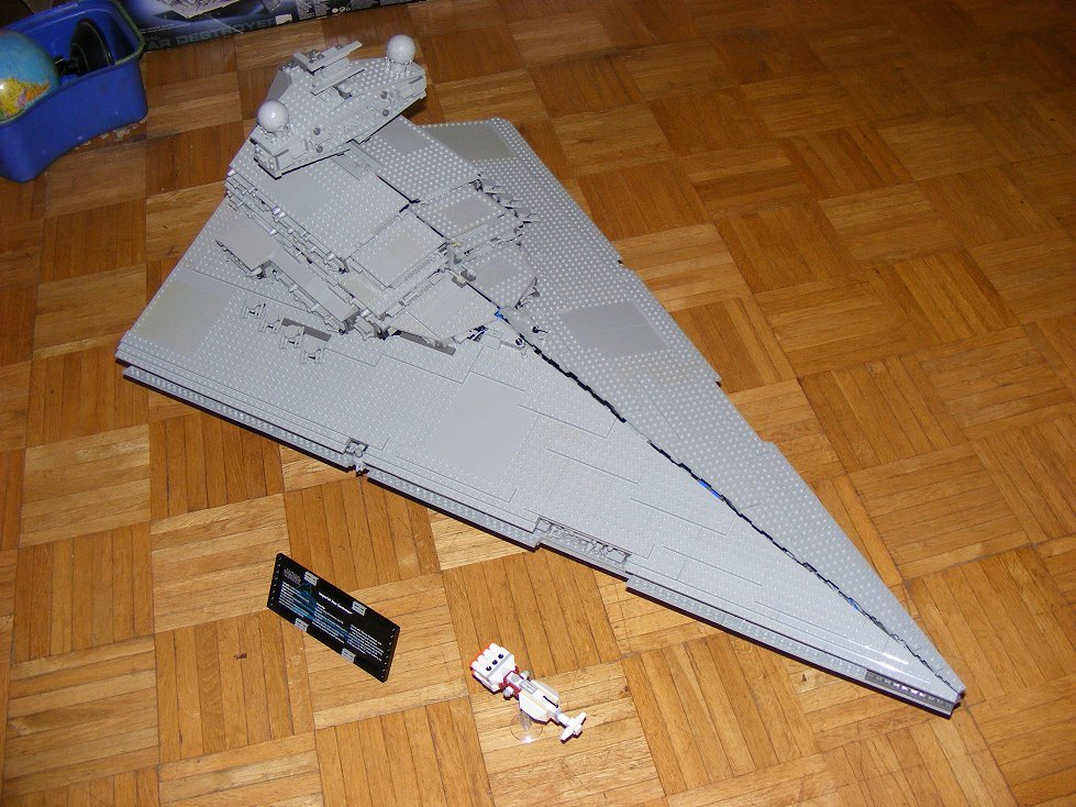 Lego UCS 10030 Star Wars Imperial Star Destroyer 10030-19_zpskfje2uto