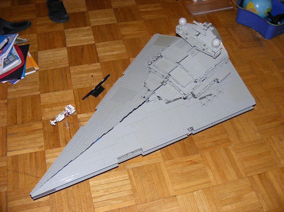 Lego UCS 10030 Star Wars Imperial Star Destroyer 10030-20_zpsqxypuaif