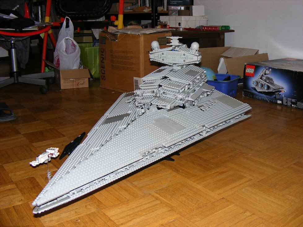 Lego UCS 10030 Star Wars Imperial Star Destroyer 10030-21_zpsj6pj0gna