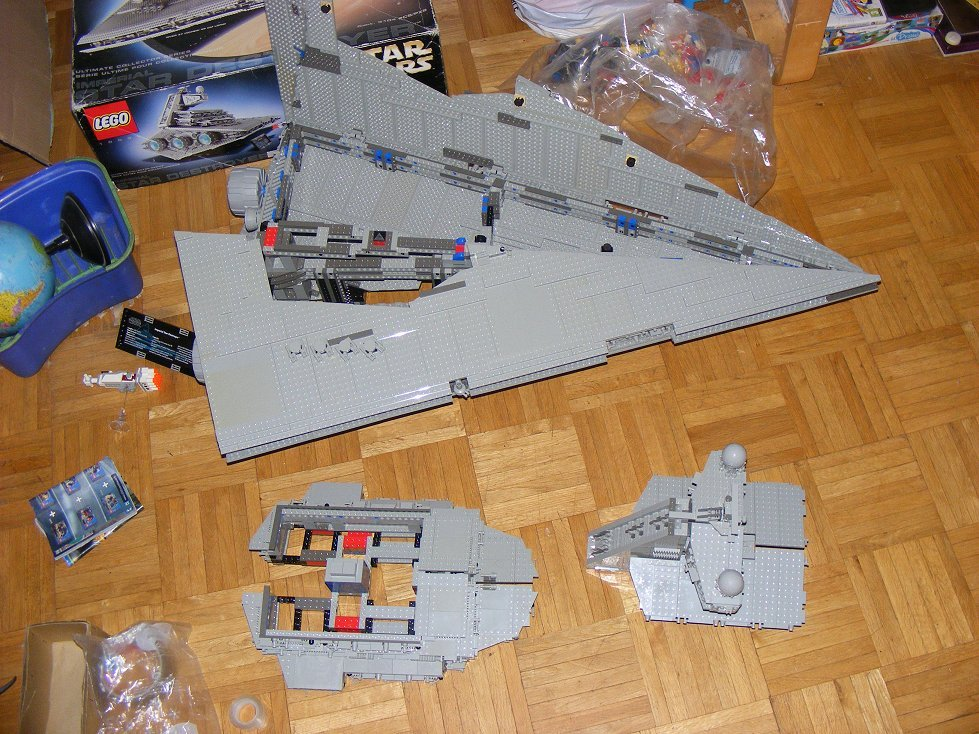 Lego UCS 10030 Star Wars Imperial Star Destroyer 10030-29_zpstgfb6y55