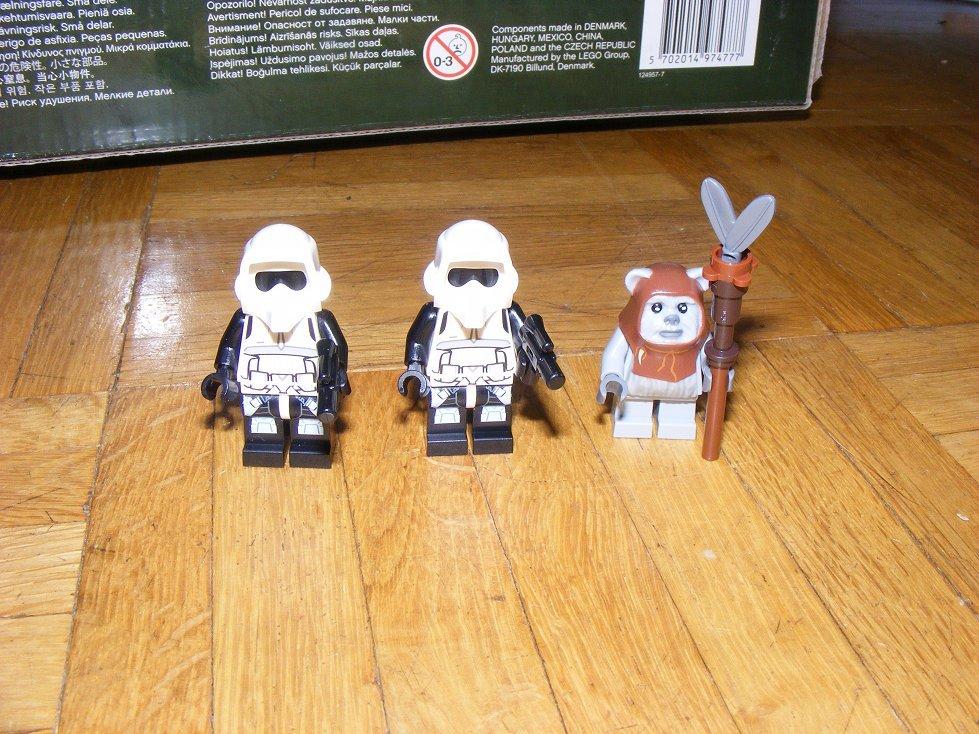 Lego Star Wars 10236 Village des Ewoks 10236-03_zpsumkuosfd