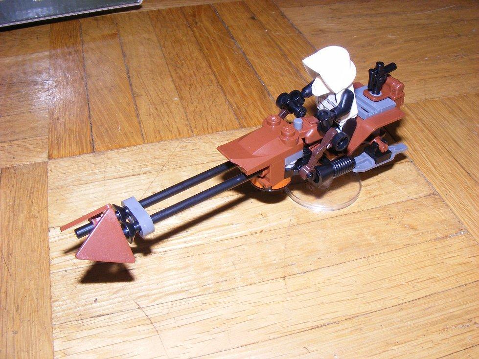 Lego Star Wars 10236 Village des Ewoks 10236-04_zpsylv1babv