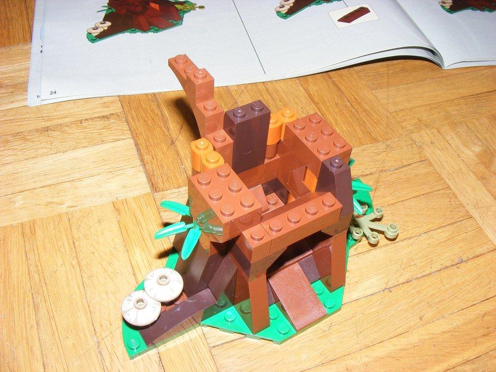 Lego Star Wars 10236 Village des Ewoks 10236-12_zpslrppi61g