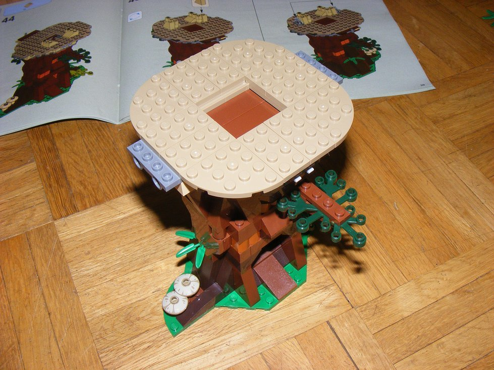 Lego Star Wars 10236 Village des Ewoks 10236-18_zpswboqxn1m