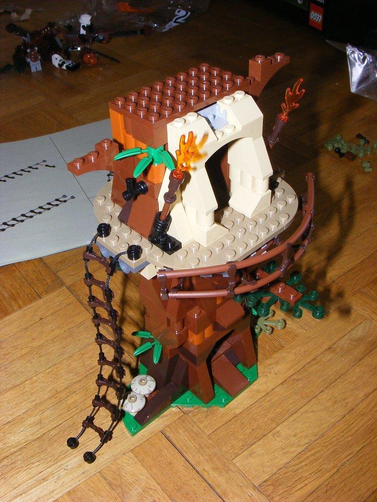 Lego Star Wars 10236 Village des Ewoks 10236-22_zpsnl015sre