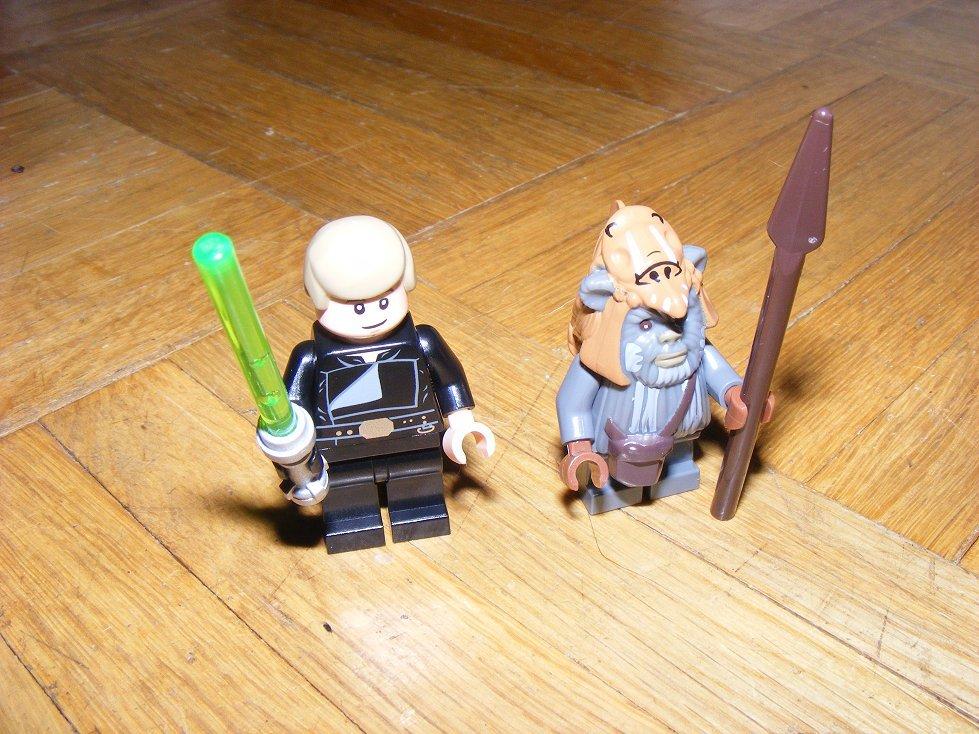 Lego Star Wars 10236 Village des Ewoks 10236-25_zpsqgsgzqw7