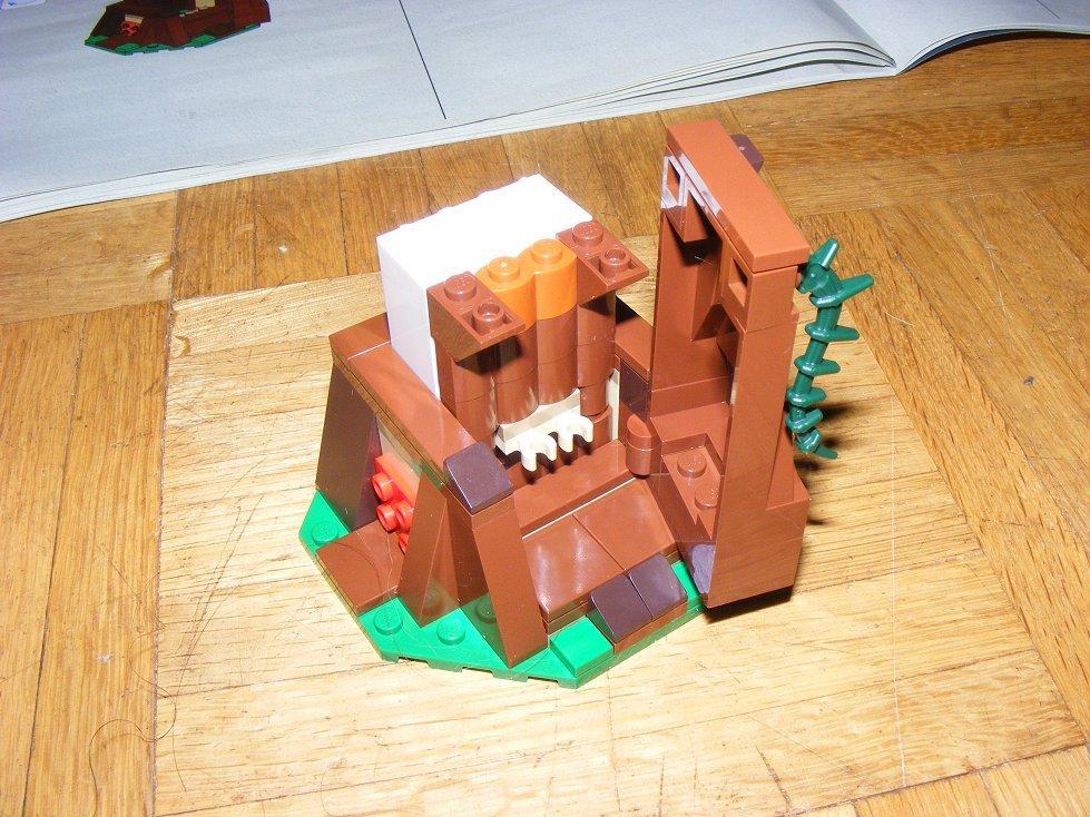 Lego Star Wars 10236 Village des Ewoks 10236-30_zpsaia2evje
