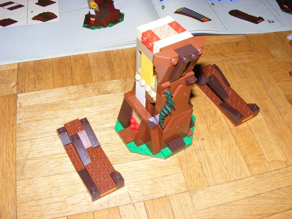 Lego Star Wars 10236 Village des Ewoks 10236-32_zpsfuscac9k