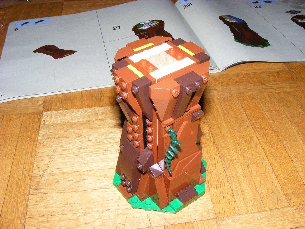 Lego Star Wars 10236 Village des Ewoks 10236-35_zpsvynknyxi