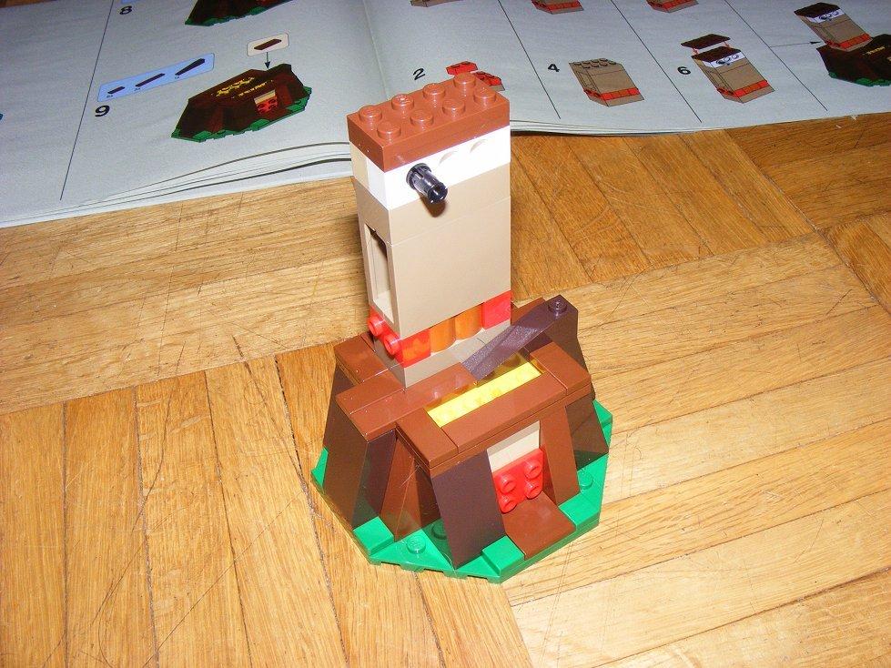 Lego Star Wars 10236 Village des Ewoks 10236-41_zpszoddmcu1