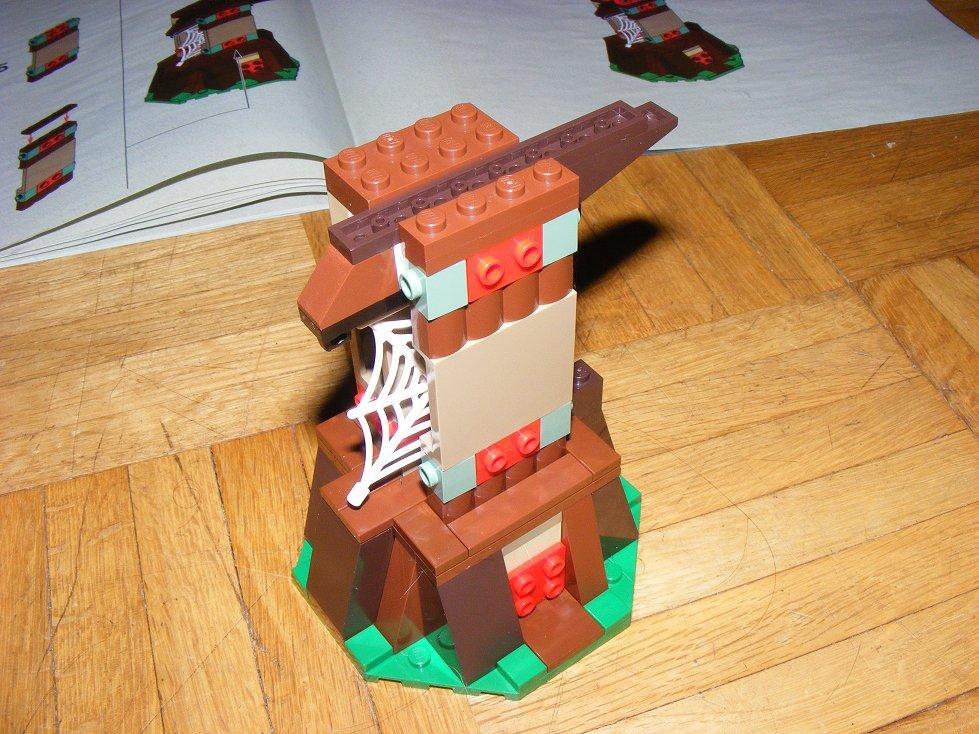Lego Star Wars 10236 Village des Ewoks 10236-43_zpscn0pcbl1