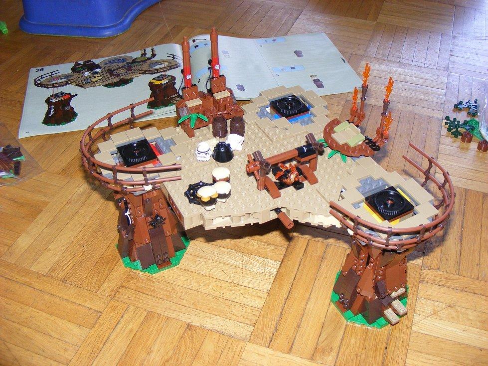 Lego Star Wars 10236 Village des Ewoks 10236-76_zpsziedkedg