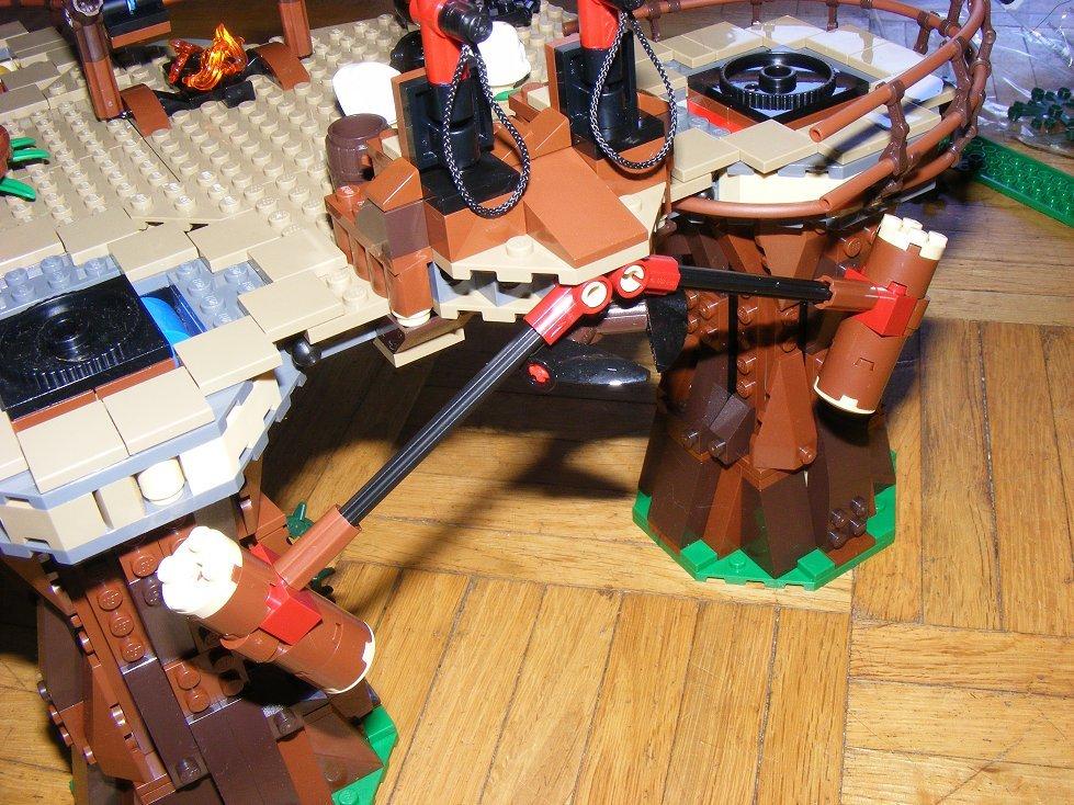 Lego Star Wars 10236 Village des Ewoks 10236-78_zpsjbv83ife