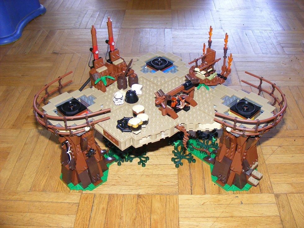 Lego Star Wars 10236 Village des Ewoks 10236-82_zpsaxubhc4b