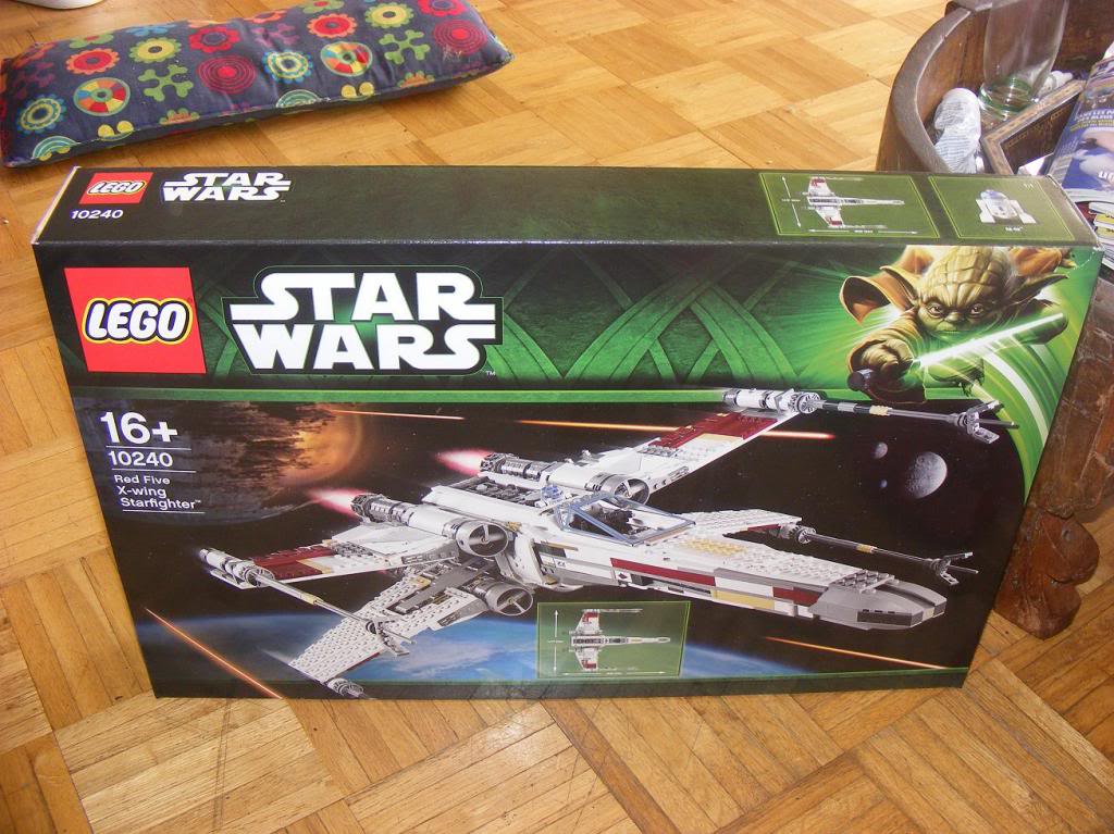 LEGO Star Wars UCS 10240 X Wing réédition !!!! 10240-01_zpsde633d99