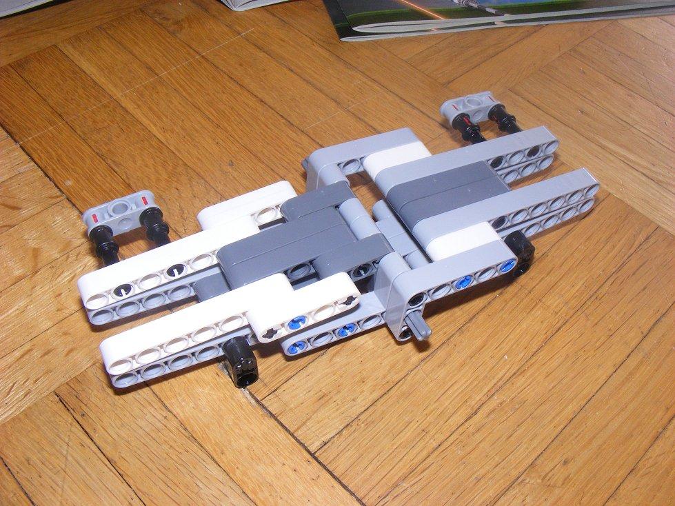 LEGO Star Wars UCS 10240 X Wing réédition !!!! 10240-12_zpse15f32ef
