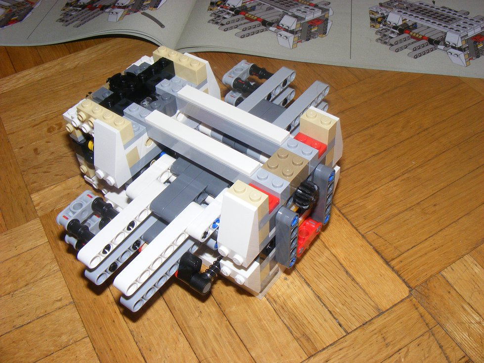 LEGO Star Wars UCS 10240 X Wing réédition !!!! 10240-18_zpseb8e17d6