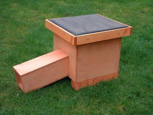 Rons hedgehog boxes and runs Hedgehogbox21-1