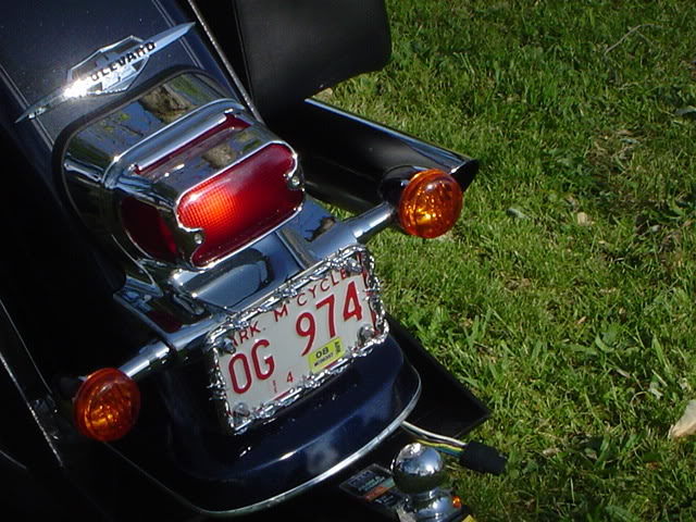 Moving Number Plate on Suzuki VL800 Picture049