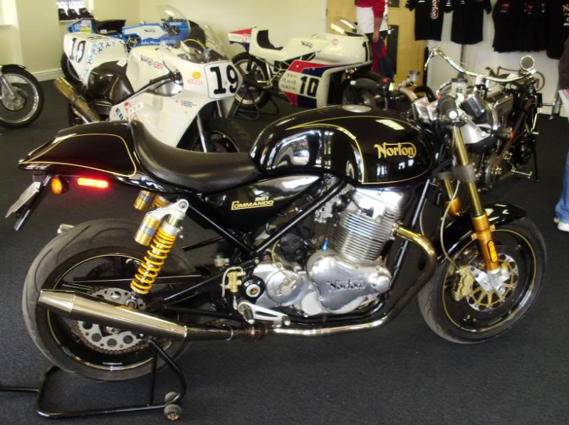 Norton Commando 961 P5310011