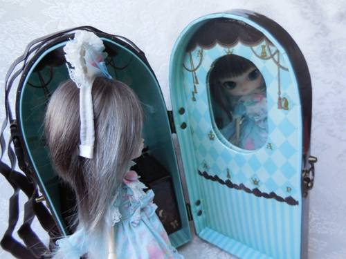 Angelic Pretty Chess Chocolate Mint doll case from Groove USA review AngelicPrettycase6