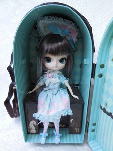 Angelic Pretty Chess Chocolate Mint doll case from Groove USA review AngelicPrettycase8