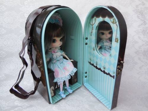 Angelic Pretty Chess Chocolate Mint doll case from Groove USA review AngelicPrettycase9