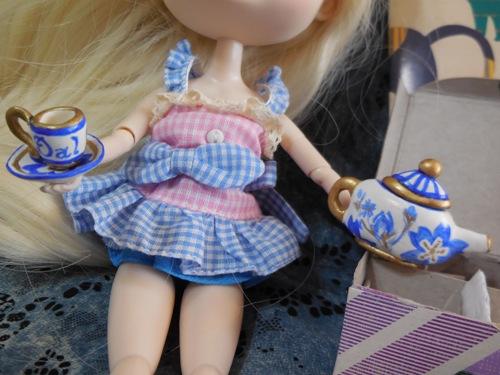 Hilarity's Tea Party themed gift from Owari and kyubi09  Hilarity6