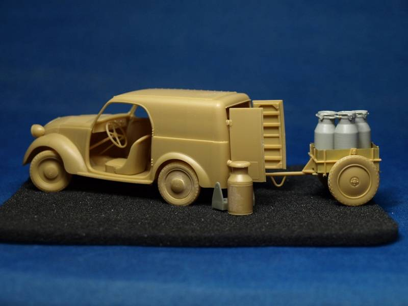 Topolino Van in a small vignette P4169404