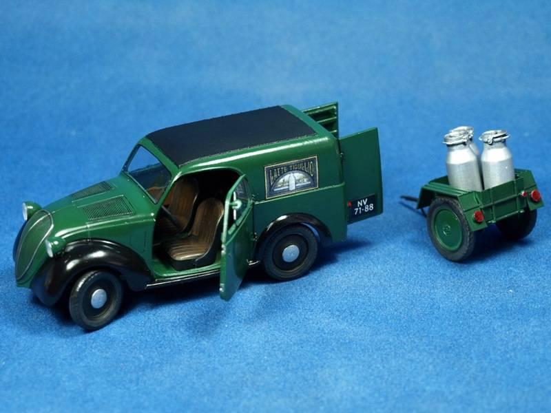 Topolino Van in a small vignette P4279417
