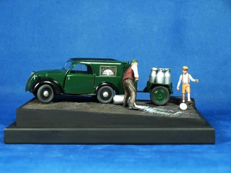 Topolino Van in a small vignette P5029442