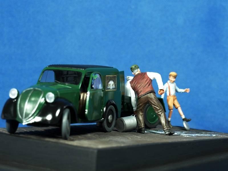 Topolino Van in a small vignette P5029443