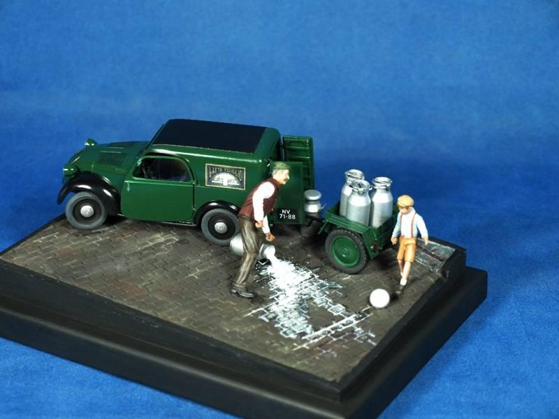 Topolino Van in a small vignette P5029446