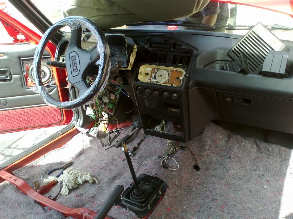 [RubenF] 205 GTI 1.6 Rouge Vallelunga 1990 09092011210